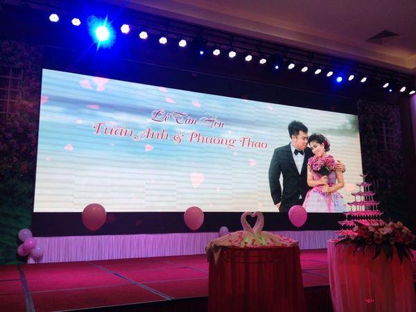 màn hình led hội nghị tiệc cưới 1