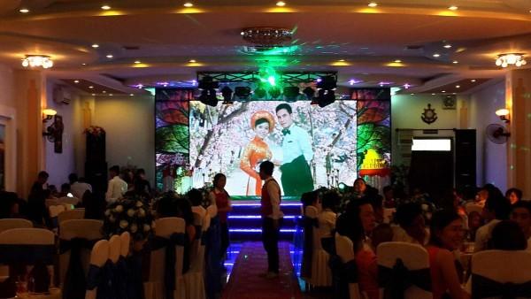 màn hình led hội nghị tiệc cưới 2